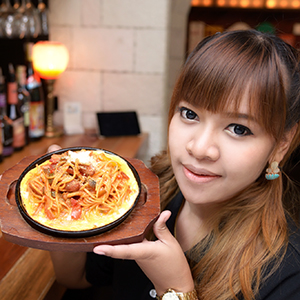 girl_food_01