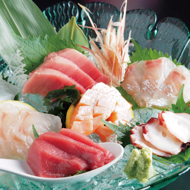 日本直送の生本マグロと酒匠が選ぶ日本酒と焼酎 -美食酒処 炭か-