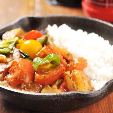 野菜を食べるカレーcamp サヤームパラゴン店