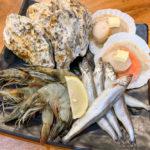 海鮮コンボ(666B)は大きな有頭海老、帆立、ししゃも、牡蠣が揃い踏み