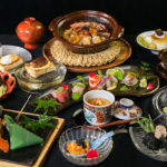 3,000Bコース(全11品)は接待時に頼りになるコースの一つ。近江牛やズワイガニ、ウニなど高級食材を用い趣向を凝らした料理が並ぶ