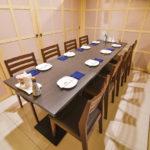 ソイ47店:5~10名のテーブル個室あり
