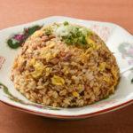 この一皿で大満足の百万石炒飯(120B)。他店では味わえない深みがある