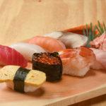 本格握り寿司が一貫18Bより充実のラインナップ。サーモンロールなど巻き寿司も絶品