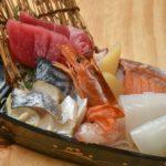 """""""ほぼほぼ原価""""と銘打たれた恵美須の黒船盛り(333B)。ボリューミーで食べ応え◎"""