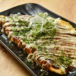 大阪名物とん平焼き(108B)も必食のウマさ。ふわり軽い食感で、つまみにも締めにも