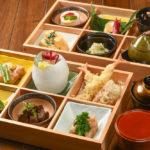 高級食材を惜しげもなく盛り込んだ天翔彩り御膳(550B)は手間ひまの結晶