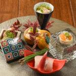 料理の美をひときわ際立たせる器は日本からやってきたもの